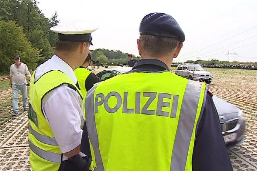 Policistům pomáhají i kolegové z Rakouska
