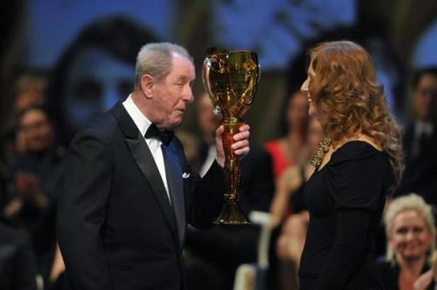 Vladimír Krejčík přebírá Cenu Thálie 2009