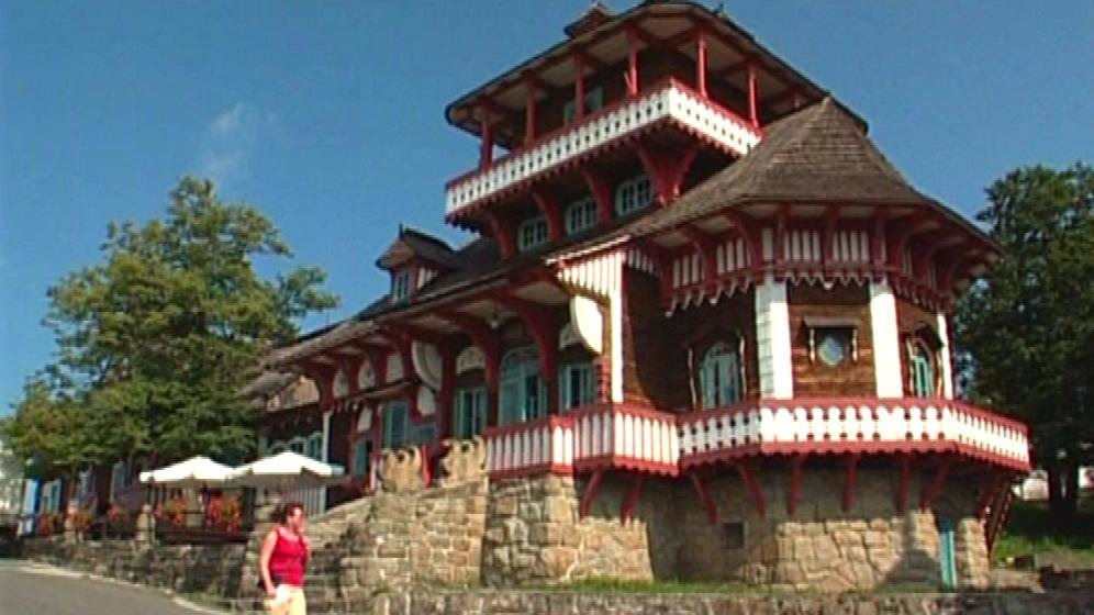 Lidová stavba Dušana Jurkoviče v Pustevnách