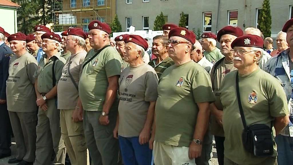 Členové 7. výsadkového pluku dnes