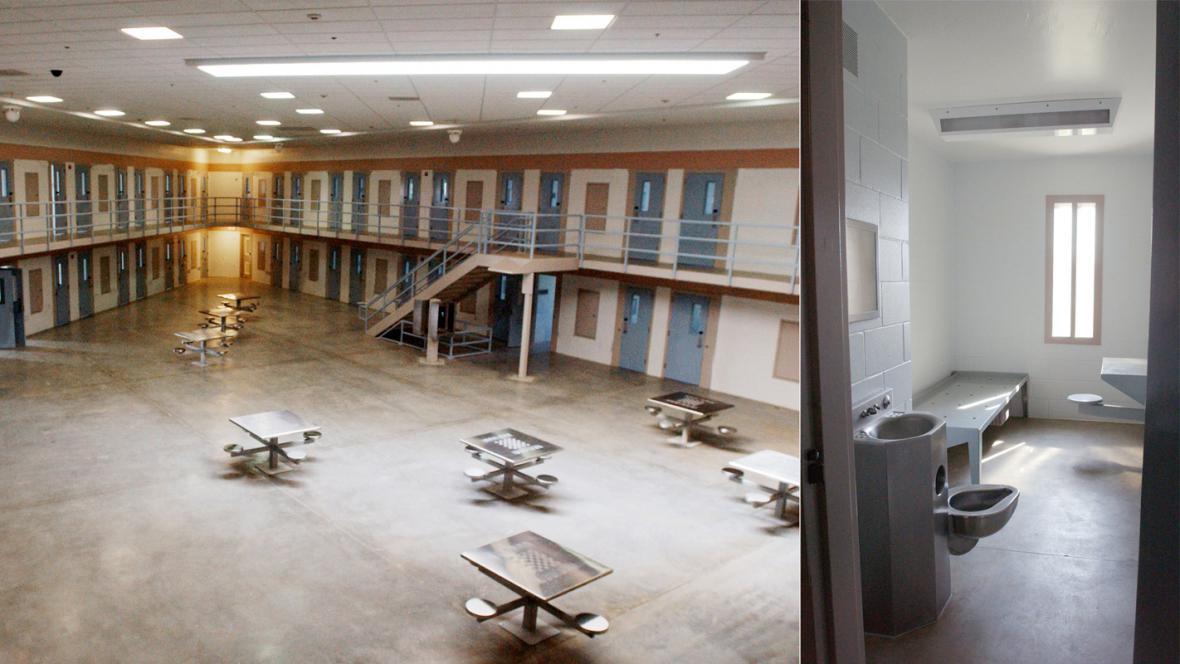 Vězení ve Fort Leavenworth, kde by si Manning mohl odpykat trest