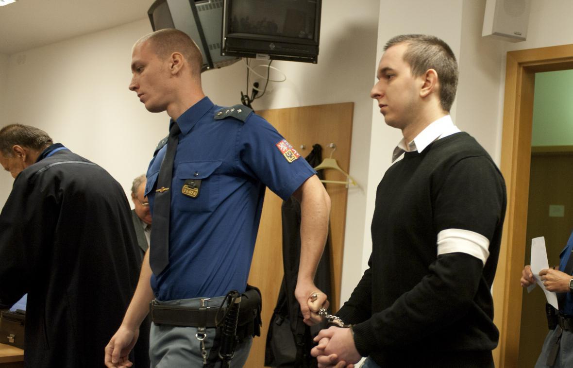 David Šimon se podle obžaloby podílel na brutální vraždě seniora