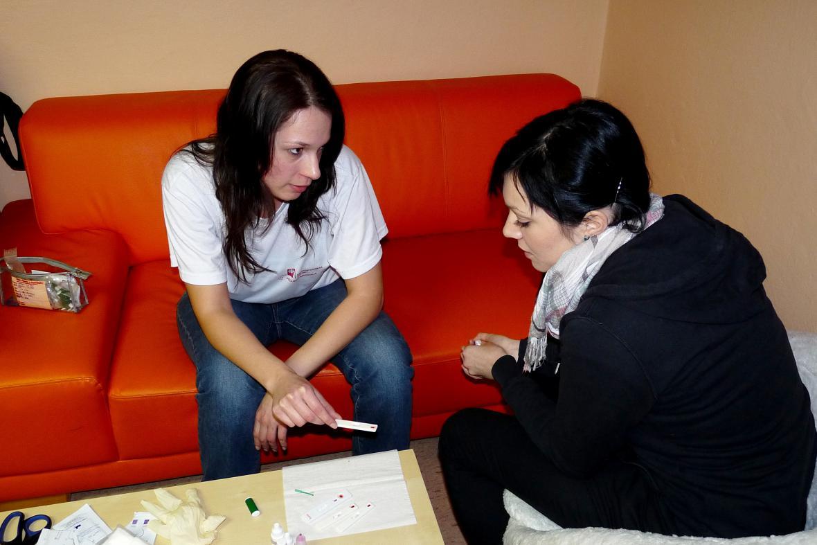 Jana z programu Magdala s klientkou