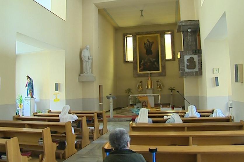 Prvními restituenty je Kongregac milosrdných sester sv. Vincence de Paul