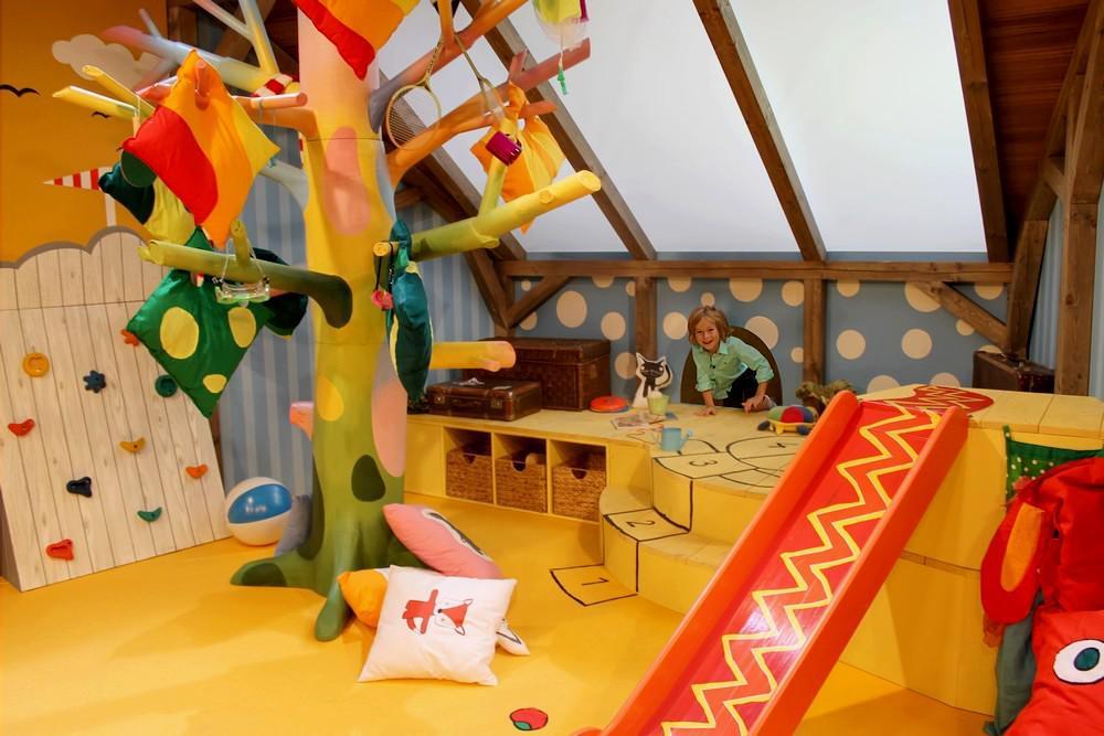 Studio Hýbánek je plné barev a hraček