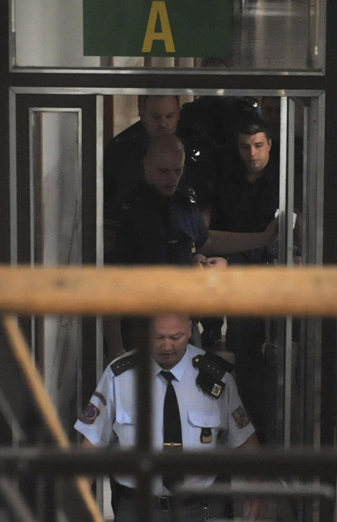 Případ vraždy bílého koně u soudu