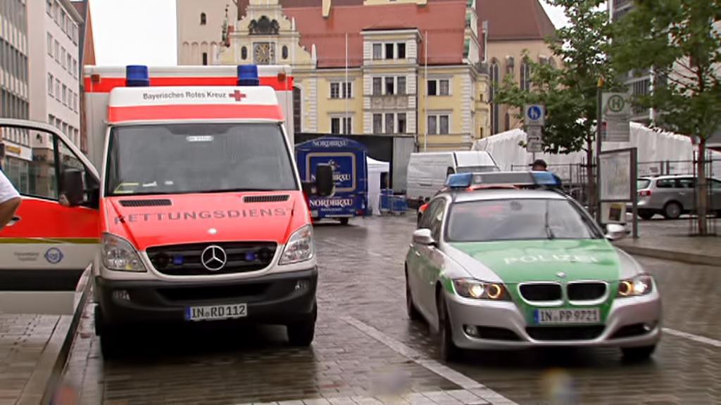 Zásah policie před starou radnicí v Ingolstadtu