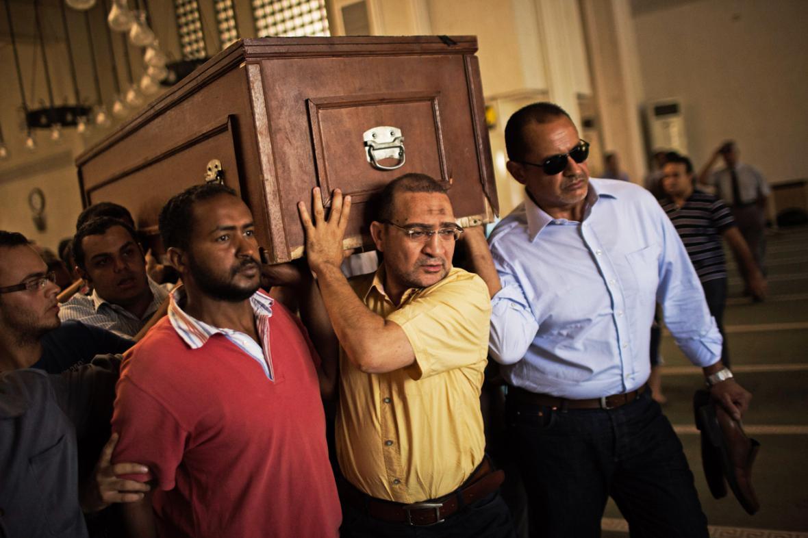 Pohřeb jedné z obětí egyptských nepokojů