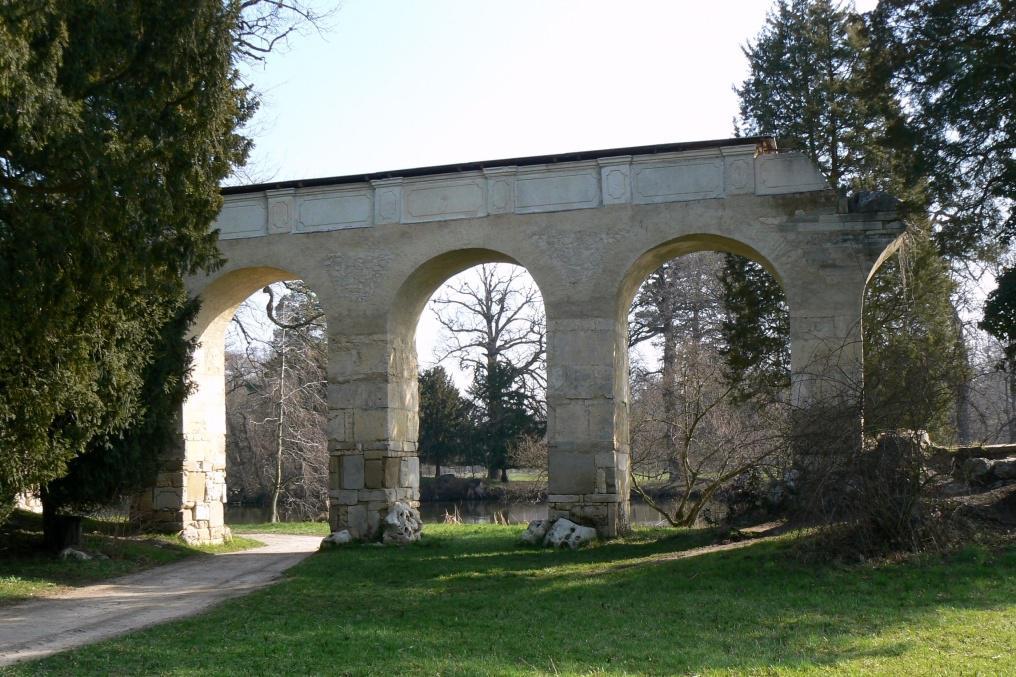 Romantická stavba vznikla v zámeckém parku v roce 1805