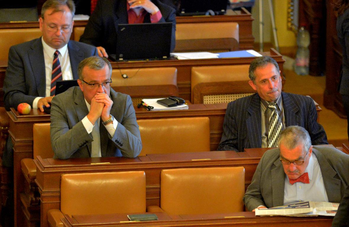 Miroslav Kalousek a Karel Schwarzenberg ve sněmovně