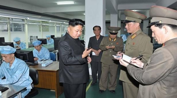 Kim Čong-un se smartphonem