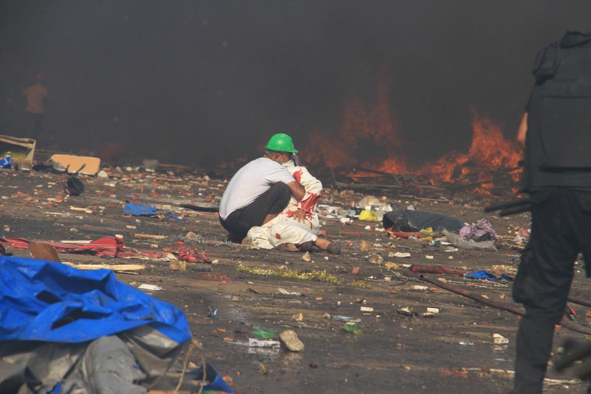 Následky zásahu proti protestním táborům v centru Káhiry