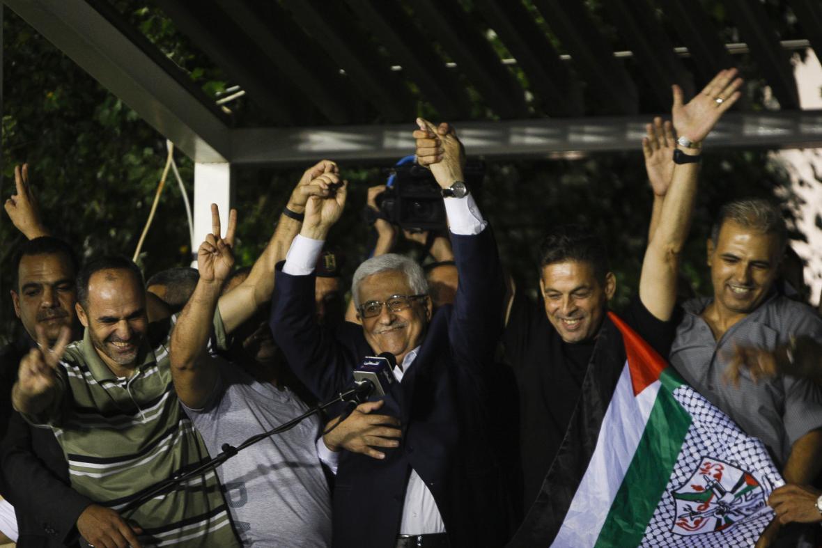 Propuštěné vězně přivítal osobně i Mahmúd Abbás