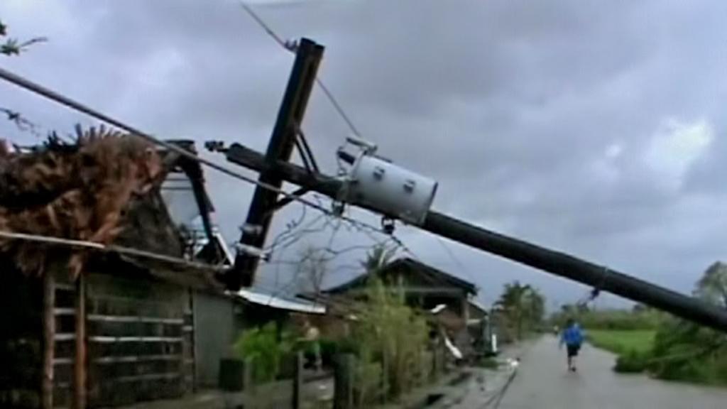 Filipíny zasáhl tajfun Utor