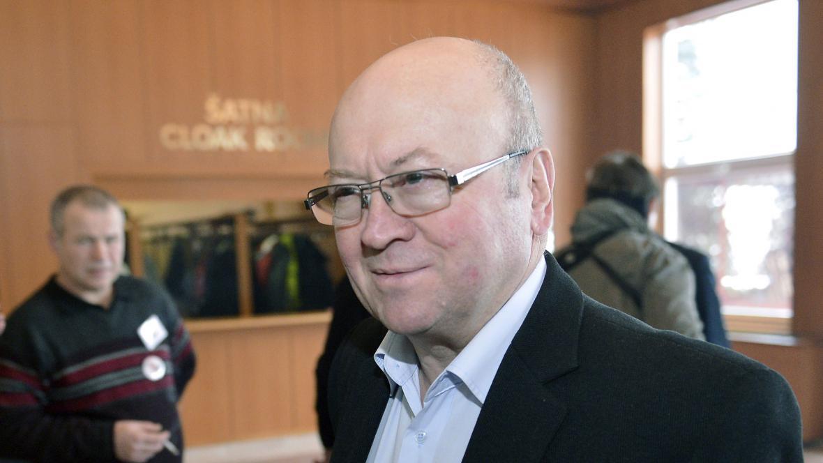 Vladimír Remek ve volebním štábu Miloše Zemana