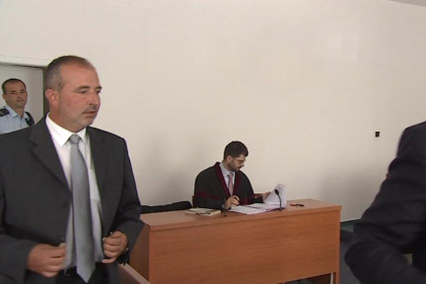 Jiří Pešek přichází k soudu