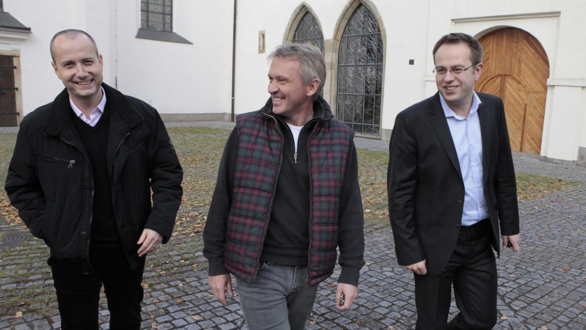 Patrick Diviš (vlevo) se Zbigniewem Czendlikem a Václavem Moravcem