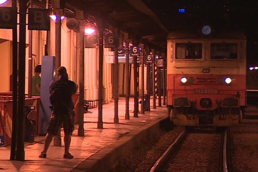 Prvním vlakem byl noční expres z Budapešti