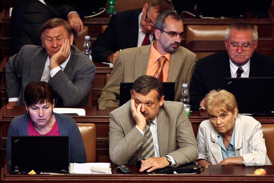 Poslanci KSČM při rozpravě
