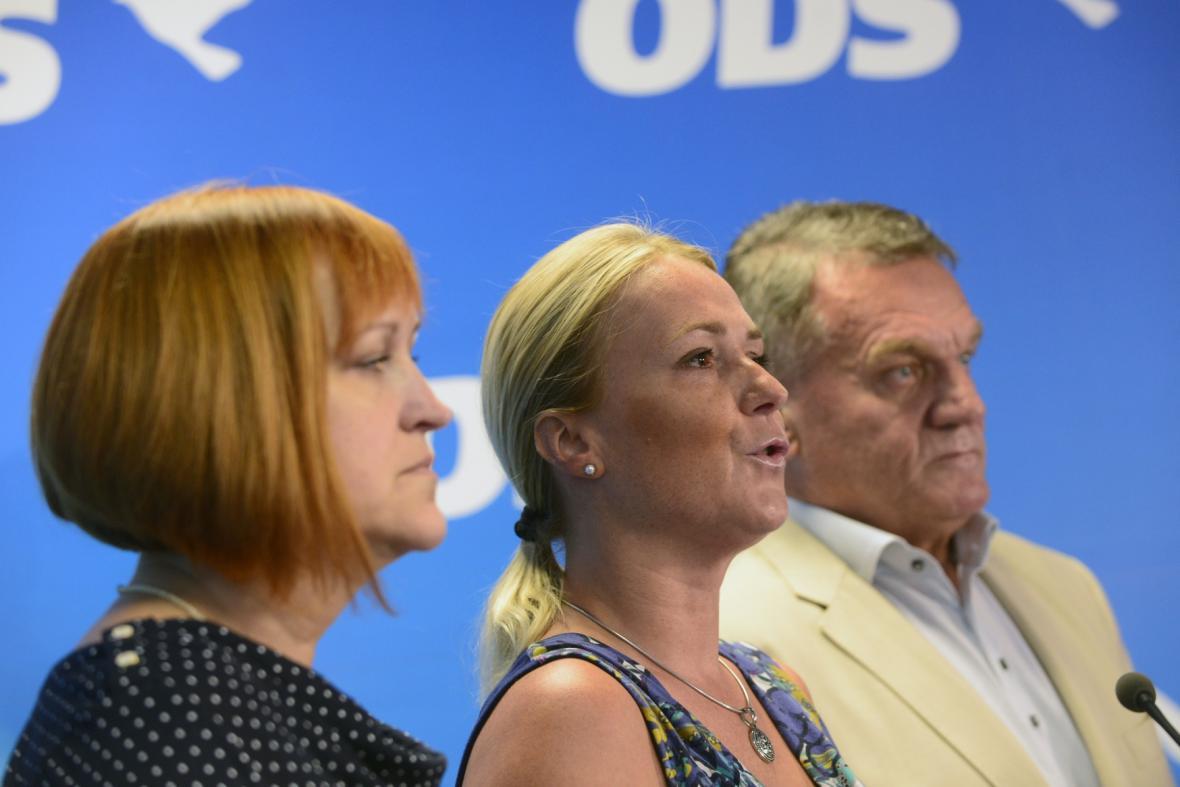 Lenka Kohoutová, Jana Černochová a Bohuslav Svoboda