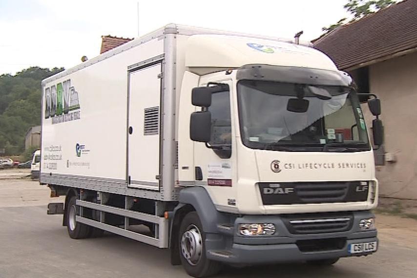 Recyklační vůz přijel do Česka poprvé