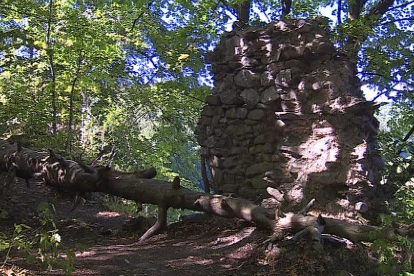 Z hradu už zbyla jen ruina