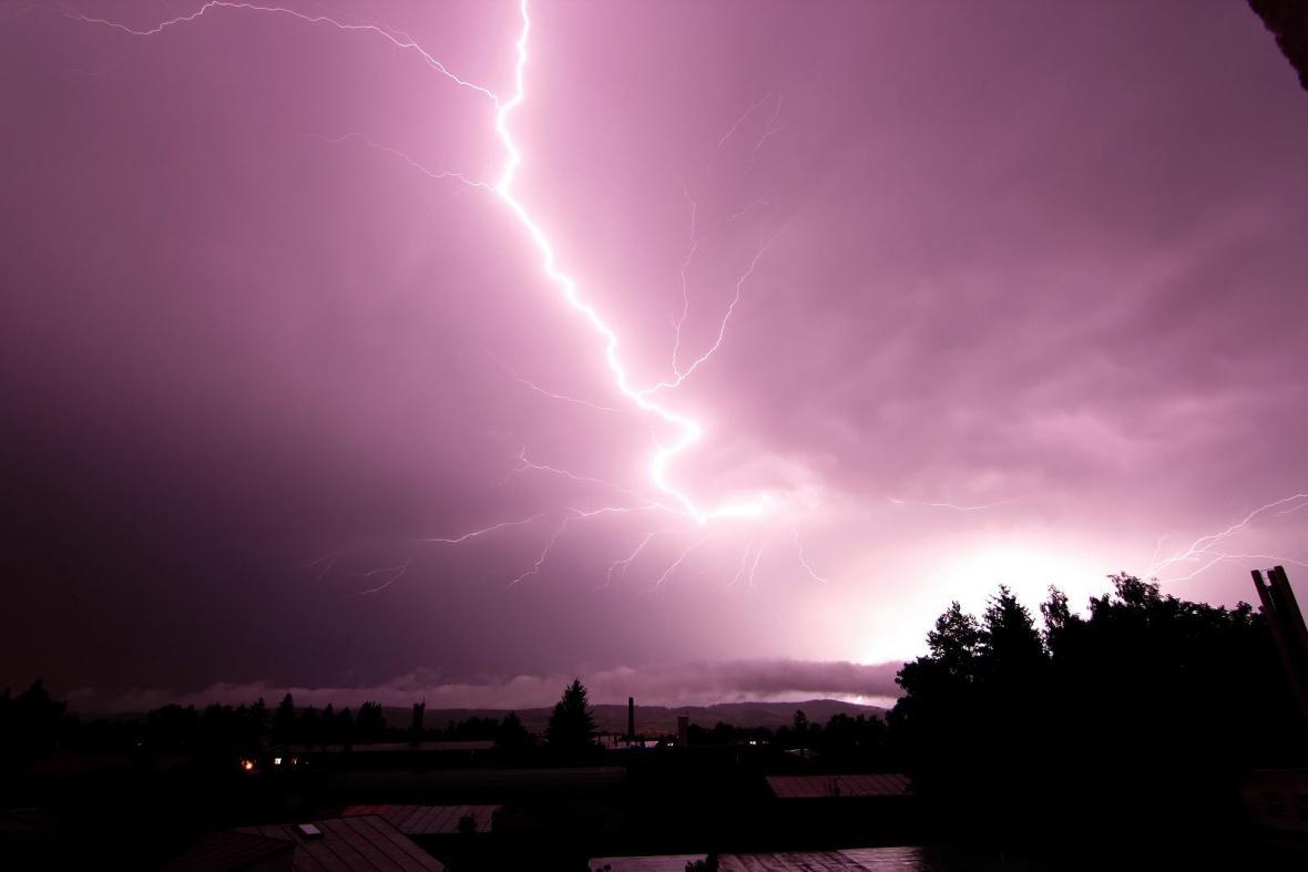 Noční bouřka na Broumovsku