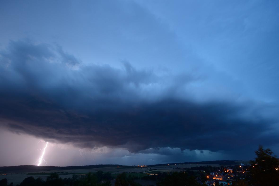 Bouřka nad Plzeňskem