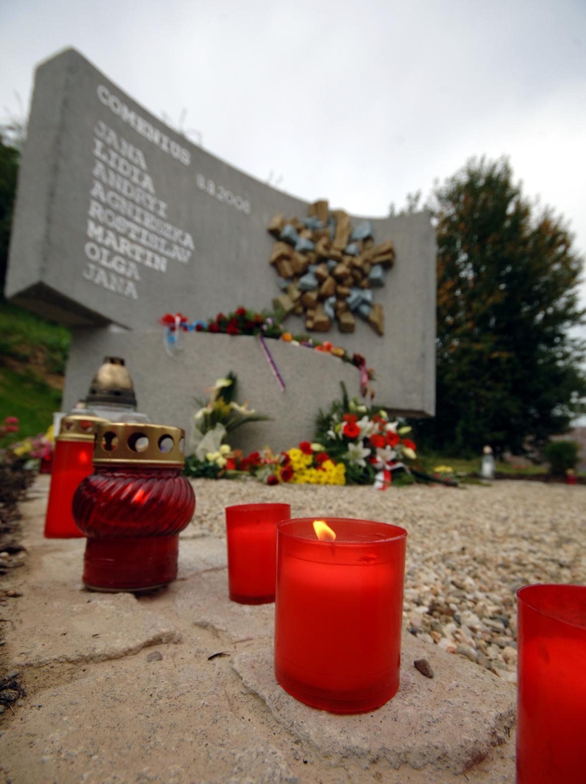 Pieta za oběti neštěstí ve Studénce