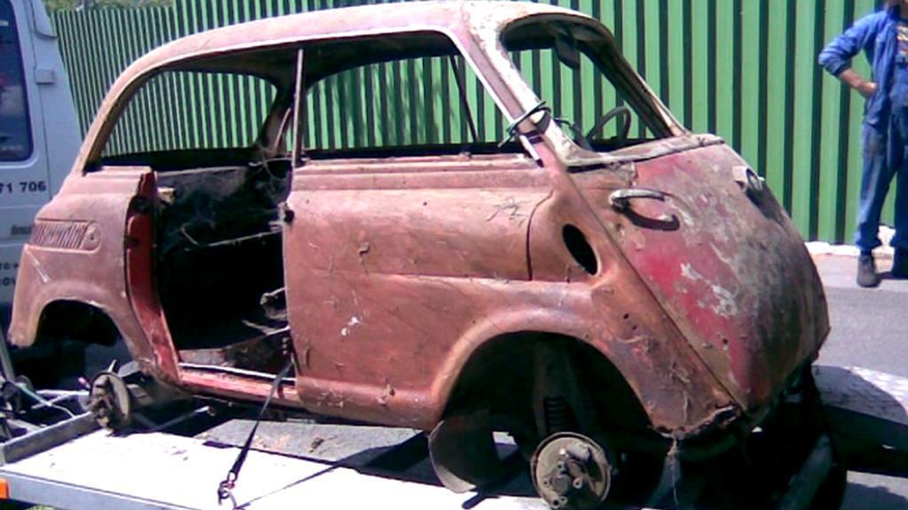 Pozůstatek starého BMW z roku 1958