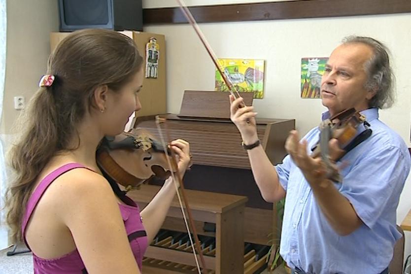 Hudeček vychovává už druhou generaci houslových virtuosů
