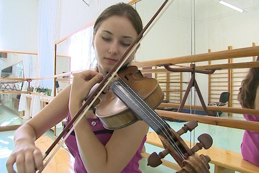 Mladá Běloruska je velkým houslovým talentem