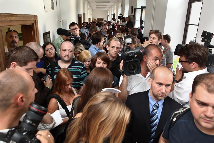 U Krajského soudu v Praze začíná za velkého zájmu médií hlavní líčení v kauze Rath