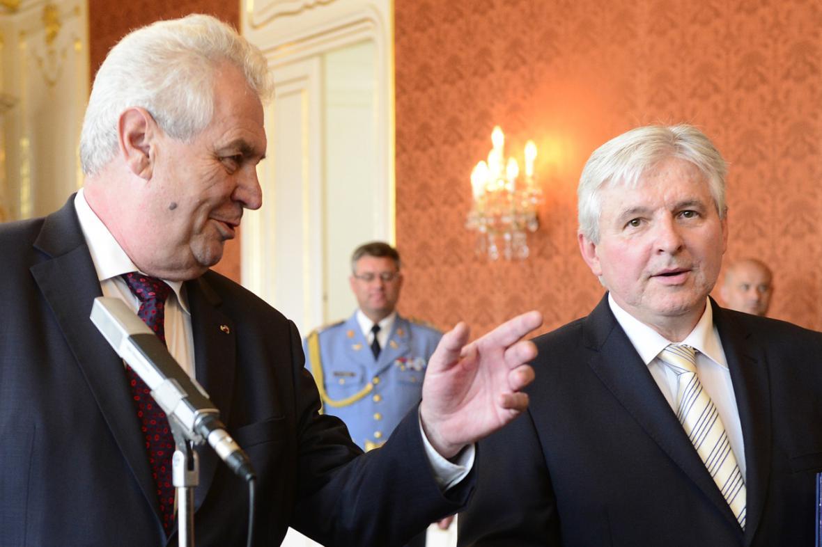 Prezident Miloš Zeman a premiér Jiří Rusnok