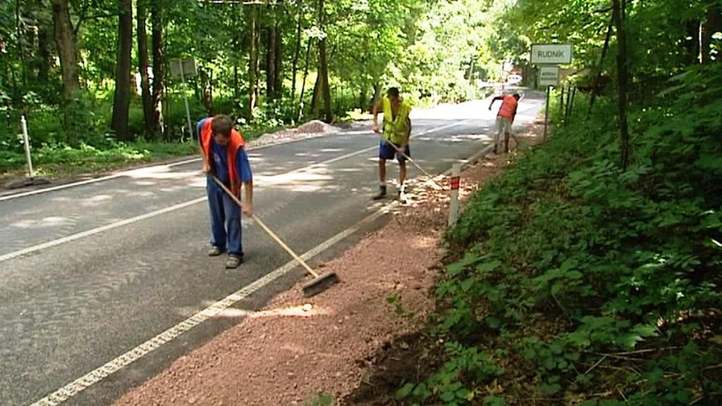 Opravy silnice po povodni