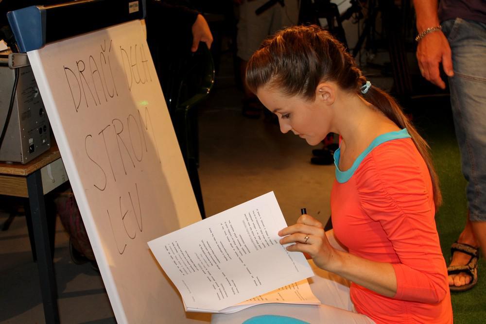Cvičitelka Kristýna Nečasová se připravuje na natáčení