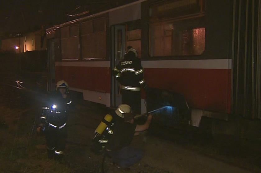 V Brně hořela tramvaj, příčinou byl nejspíš zkrat
