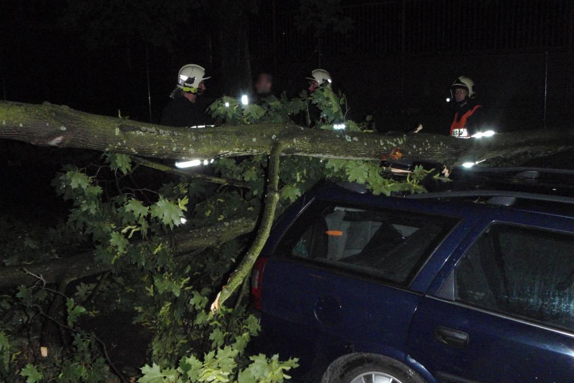 Hasiči na Zlínsku likvidovali většinou popadané stromy