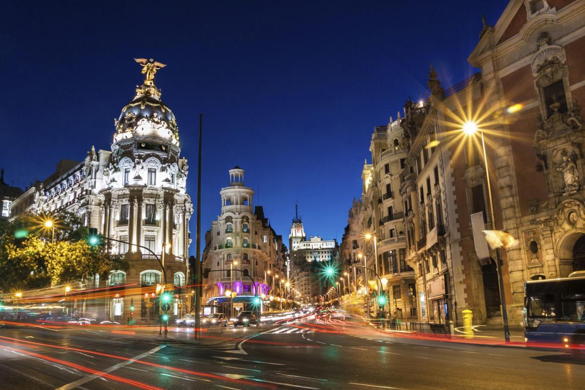 Ulice Gran Via v Madridu
