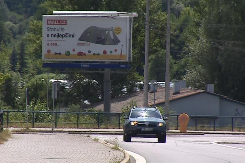 Každý může dát podnět stavebnímu úřadu, aby billboard prověřil