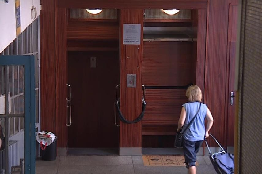 Páternoster na brněnské poště funguje už 165 let