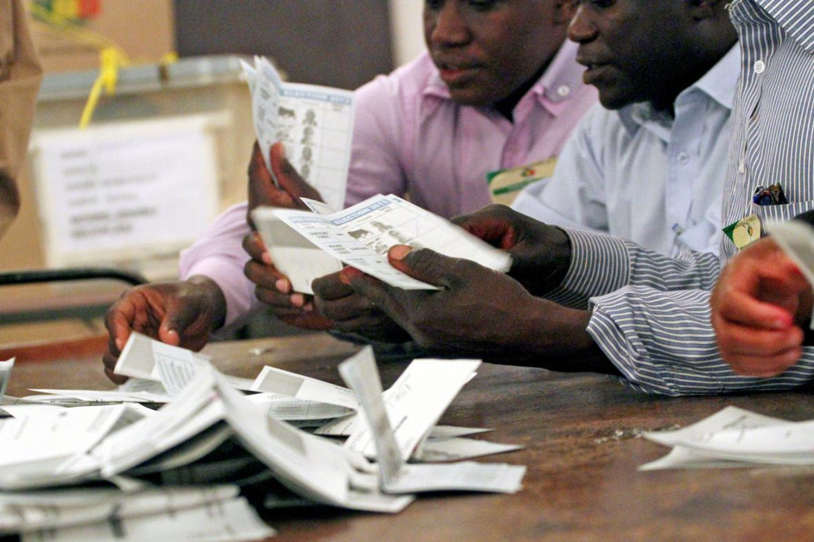 Sčítání hlasů v Zimbabwe