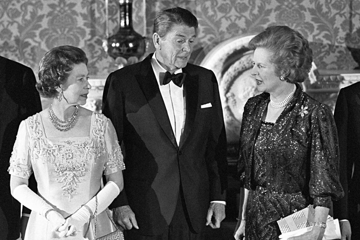 Alžběta II., Ronald Reagan a Margaret Thatcherová v roce 1984