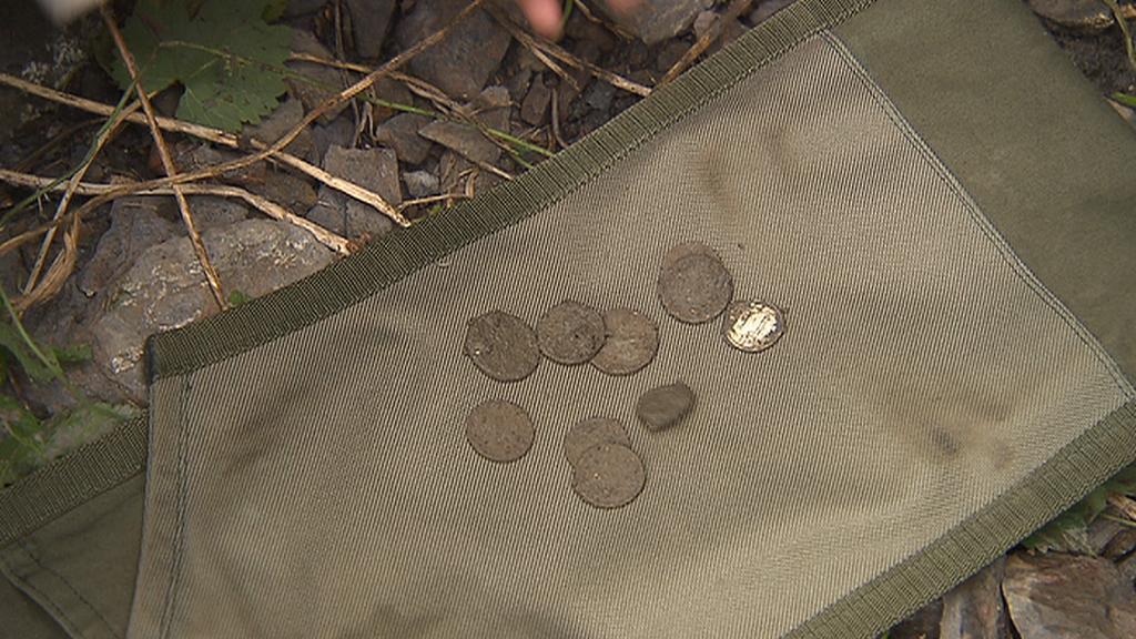 Mince ze štoly pod pražskou zoo