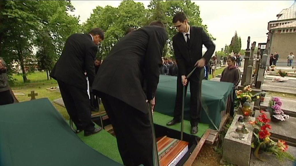 Pohřeb Roma střeleného kuší