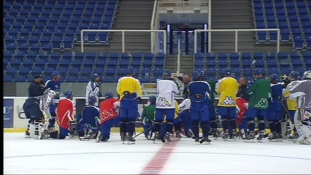 Příprava na ledě začala také hokejistům Komety