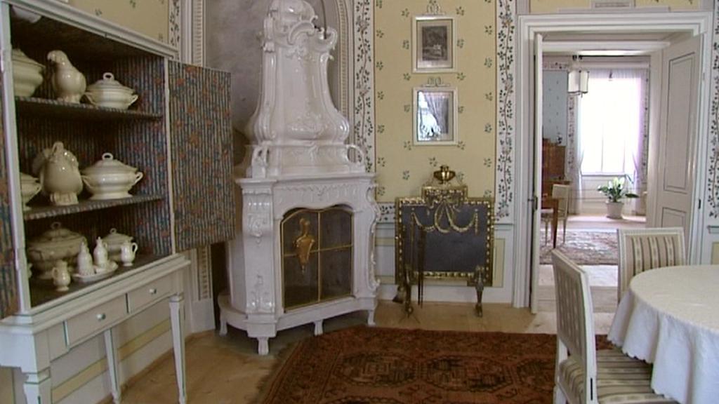 Zrestaurovaná kamna na zámku Kozel