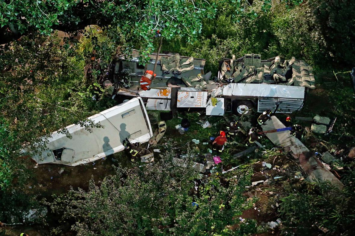 Nehoda autobusu u Avellina