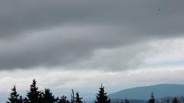 Krušné hory před bouřkou