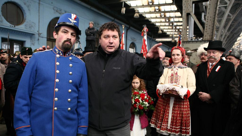Režisér Robert Sedláček při natáčení cyklu České století